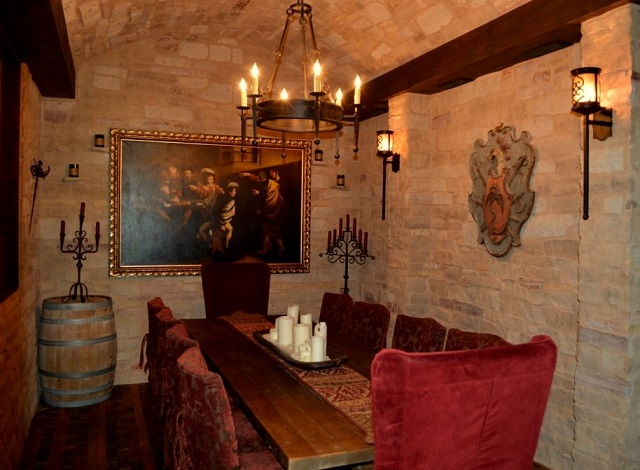 The Cozy Wine Tasting Room